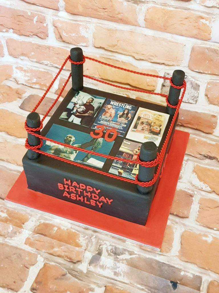 Birthday cake in the shape of a wrestling ring